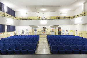 5. La sala eventi vista dal palco
